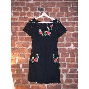 Forever 21 Black Lace Floral Embroidery Dress
